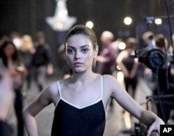Mila Kunis in BLACK SWAN.