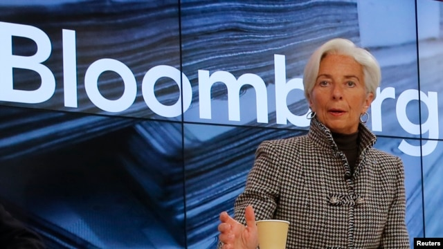 FILE - Christine Lagarde, Managing Director, International Monetary Fund (IMF), arrives for the session 'Where Is the Chinese Economy Heading?' of the annual meeting of the World Economic Forum (WEF) in Davos, Switzerland, Jan. 21, 2016.