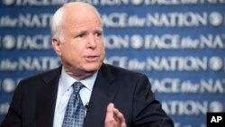 Senator John McCain menuduh pemerintahan Obama menutup-nutupi serangan Benghazi sebagai strategi untuk memenangkan pilpres lalu (foto: dok).