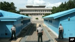 Obama Kuzey ve Güney Kore sınırında askeri görüşmelerin yapıldığı Panmunjom'ı da ziyaret edecek