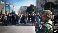 突尼斯人上街示威