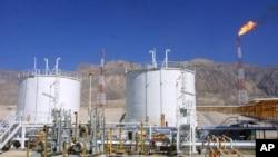 استخراج نفت در ایران