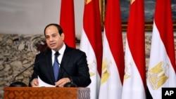 عبدالفتاح السیسی رئیس جمهوری مصر، پس از ادای سوگند در کاخ ریاست جمهوری در قاهره - ۱۸ خرداد ۱۳۹۳