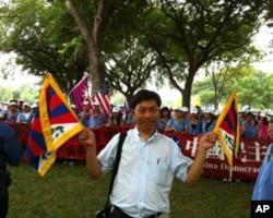 李日光专程自泰国来庆贺达赖喇嘛生日