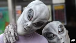 Roswell UFO Festival-aliens