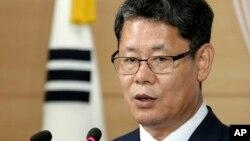 한국 통일부 김연철 장관이 지난 6월 기자회견을 열고 WFP를 통해 한국산 쌀 5만t을 북한에 지원하기로 했다고 발표했다.