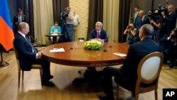 Владимир Путин, Серж Саргсян и Ильхам Алиев