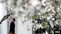 Obama aclaró que como jefe del ejecutivo debía permitir a la justicia trabajar y dijo que el secretario de Justicia de Estados Unidos, Eric Holder, estaba siguiendo el caso.