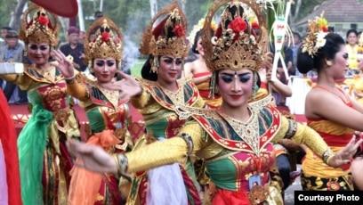 Karnaval Budaya Bali di kawasan Indonesia Tourism Development Corporation ITDC, di Nusa Dua, Bali (Foto: Setpres RI)