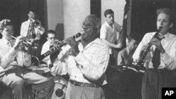 """Sidney Bechet: Od njuorleanskog """"čuda od djeteta"""" i jednog od pionira jazza do francuskog nacionalnog heroja"""