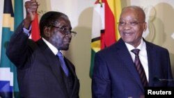 Robert Mugabe (esq) e Jacob Zuma
