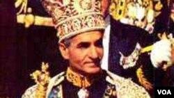 Məhəmməd Rza Şah Pəhləvinin dönəmində İranda radikal farslaşdırma siyasəti həyata keçirilirdi.