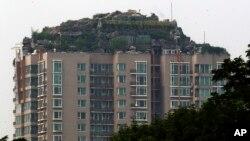 Bizarna vila na vrh solitera u Kini