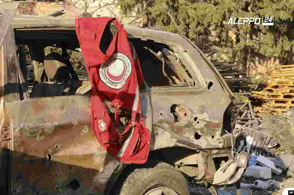 حلب کے لیے امدادی سامان لے جانے والے قافلے پر ہوئے ایک فضائی حملے میں 20 شہری اور شام کی ہلال احمر کا ایک کارکن مارے گئے تھے۔