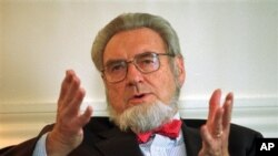 Cựu Tổng Y Sĩ Hoa Kỳ Everett Koop.