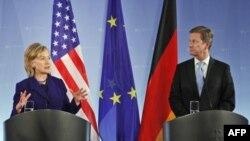 هیلاری کلینتون و گیدو وستروله، وزیر خارجه آلمان