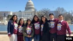 Delegación de jóvenes soñadores llegaron a Washington, DC, desde California para contar sus historias a los legisladores durante la presentación de una nueva versión del Dream Act en la Cámara de Representantes.