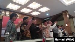 Para pemimpin agama di Jawa Timur tegaskan suasana Surabaya kondusif (Foto: VOA/Nurhadi)
