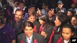 پاکستان کے لیےایشین گیمز میں پہلا سونے کا تمغہ جیتنے والی خواتین کرکٹ ٹیم کا شاندار استقبال
