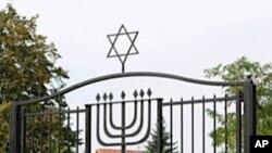 Za održavanje židovskih groblja u Poljskoj brinu zatvorenici