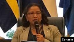 Liduvina Magarín dialoga sobre los menores salvadoreños separados de sus padres
