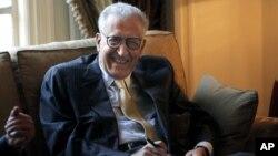 12일 카이로 아랍연맹본부에서 열린 회의에 참관한 라크다르 브라히미 유엔-아랍연맹 공동 시리아 특사.