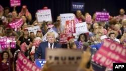 Le président Donald Trump, alors candidat, en campagne électorale à Phoenix, Arizona, le 29 octobre 2016.