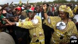 UNkosikazi Grace Mugabe lomkakhe uMnu. Robert Mugabe bese Tsholotsho kumkhosi wePresidential Youth Interface Rally.