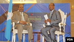 Somali President Hassan Sheikh Mohamud took part in a town hall hosted by VOA's Somali service Saturday and moderated by journalist Abdul Hussein Osman, in Mogadishu.
