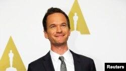 Diễn viên Neil Patrick Harris, người điều khiển chương trình trao giải Oscar, bắt đầu đêm trao giải Oscar bằng một câu đùa cợt về tính thiếu đa dạng.