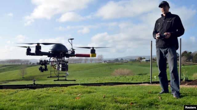 Vuelos no autorizados de drones, especialmente en la cercanía de los aeropuertos o cuando hay incendios forestales, han puesto en peligro a helicópteros y aviones.