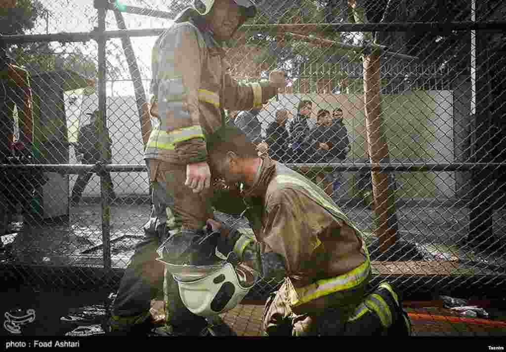 به نظر میرسد که بخش عمدهای از مصدومان و کشتهشدگان احتمالی از نیروهای آتشنشانی باشند.