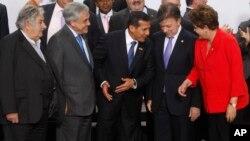 Los presidentes José Mujica (Uruguay), Sebastián Piñera (Chile), Ollanta Humala (Perú), Juan Manuel Santos (Colombia) y Dilma Rousseff (Brasil).