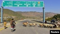 Salah satu jalan di Haripur, Pakistan dekat perbatasan China yang didanai dengan proyek Belt and Road Initiative (foto: ilustrasi).