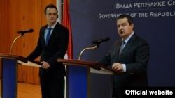 Šefovi diplomatija Mađarske i Srbije, Peter Sijarto i Ivica Dačić, na konferenciji za novinare u Beogradu