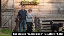 """Орест Дель Соль із дружиною Йоланою на еко-фермі """"Зелений гай"""""""