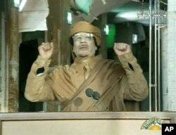 Le leader libyen Mouammar Kadhafi à la télévision libyenne, le 22 février 2011