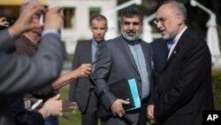Глава переговорной группы Ирана Али Акбар Салехи отвечает на вопросы журналистов