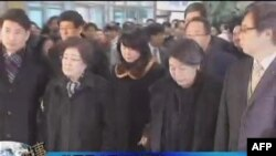 Kim Xhong Un takohet me një delegacion privat koreanojugor