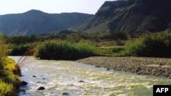 Big Bend, parku ku gjen male, shkretëtira, pllaja të gjelbëruara e burime ujore