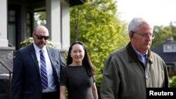 中国华为公司首席财务官孟晚舟周5月8日离开她在温哥华的家,就她可能被引渡到美国问题到加拿大的不列颠哥伦比亚法院出席问讯。