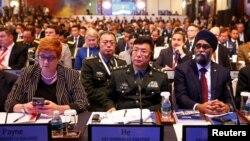 وزرای دفاع در کنفرانس امنیتی سنگاپور