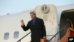 Ngoại trưởng Hoa Kỳ John Kerry đã đến Brussels tham dự cuộc họp thường niên của các ngoại trưởng NATO, ngày 3/12/2013.