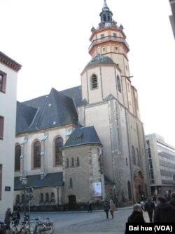 德国莱比锡市中心著名的尼古拉大教堂。莱比锡曾是前东德推翻共产党政权抗议活动的中心之一,尼古拉教堂曾扮演关键角色。