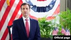 ျမန္မာႏုိင္ငံဆုိင္ရာ အေမရိကန္သံအမတ္ႀကီး Thomas Vajda. (ဇူလုိင္ ၄၊ ၂၀၂၁။ Screenshot - US Embassy Rangoon Facebook)