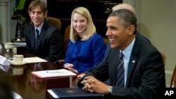 바락 오바마 미국 대통령(오른쪽)이 17일 워싱턴 백악관에서 IT 업체 대표들을 면담했다.