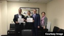 中國非政府組織活動人士楊占青2019年10月28日在首都華盛頓向美國白宮、國務院以及國會官員介紹中國NGO遭打壓狀況。 (楊占青提供)
