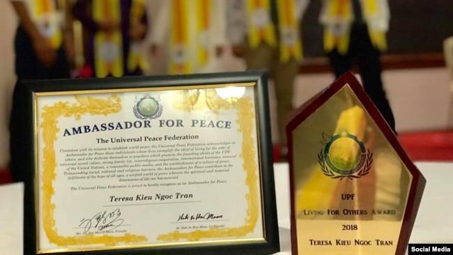 Giải thưởng của chị Trần Kiều Ngọc. Photo Facebook Hoang Van Nguyen