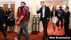 Đạo diễn Jordan Voght-Roberts, và các ngôi sao điện ảnh Tom Hiddleston, Samuel L. Jackson, John C. Reily, Toby Kebbell và Bire Larson đến dự họp báo tại Hà Nội, ngày 21/2/2016.