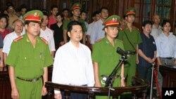 Chính quyền Việt Nam vẫn còn giam cầm nhiều tù nhân chính trị và các tiếng nói bất đồng chính kiến.